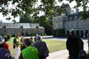 Arrivée devant le château